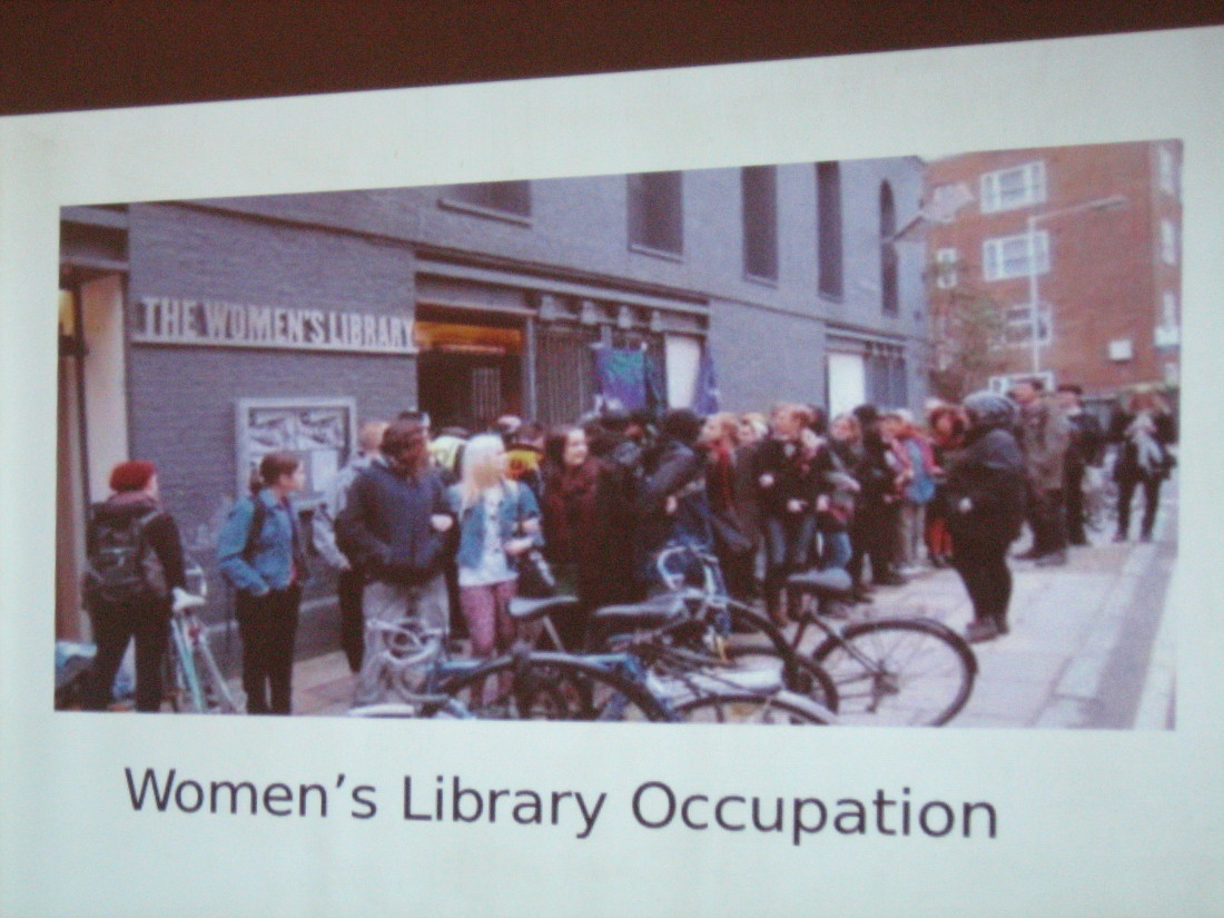Fot. Stowarzyszenie Strefa Kobiet. Zdjęcie z akcji: Kobieca okupacja bibliotek.