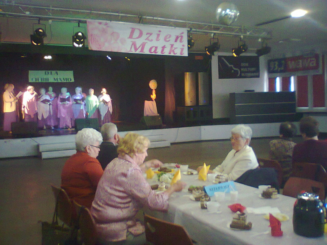 Dzień Matki w Centrum Seniora przy DK Słowianin.
